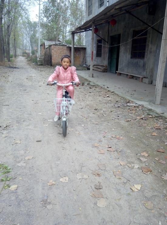学会骑自行车 - 成长日记 - 竹贝小橱(^-^)
