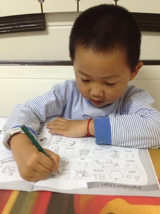 洋洋写英语作业 - 成长日记 - 宝贝洋洋乐园